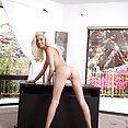 Hot Schoolgirl Halle Von